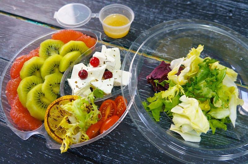 Салат из пряной тыквы с грейпфрутом и киви