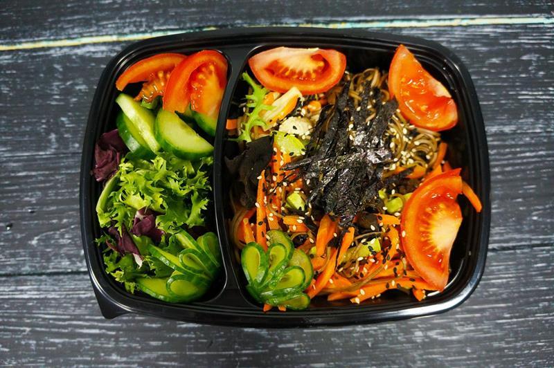 Соба с овощами в соусе