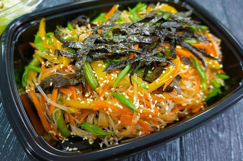 Фунчоза с овощами в имбирном соусе