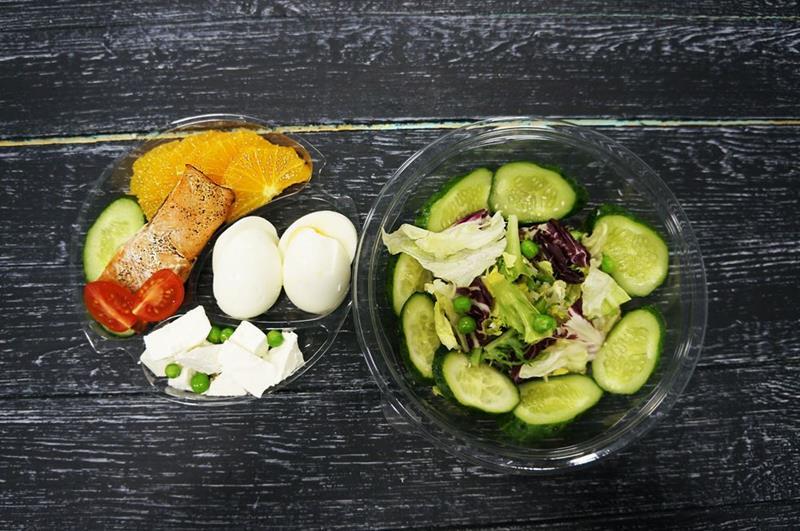 Салат с горбушей и фетой в апельсиновом соусе