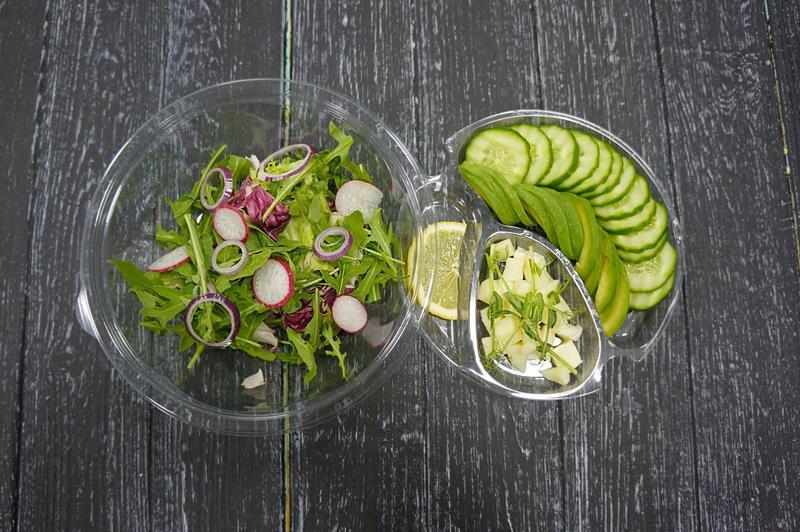Зеленый салат с сулугуни